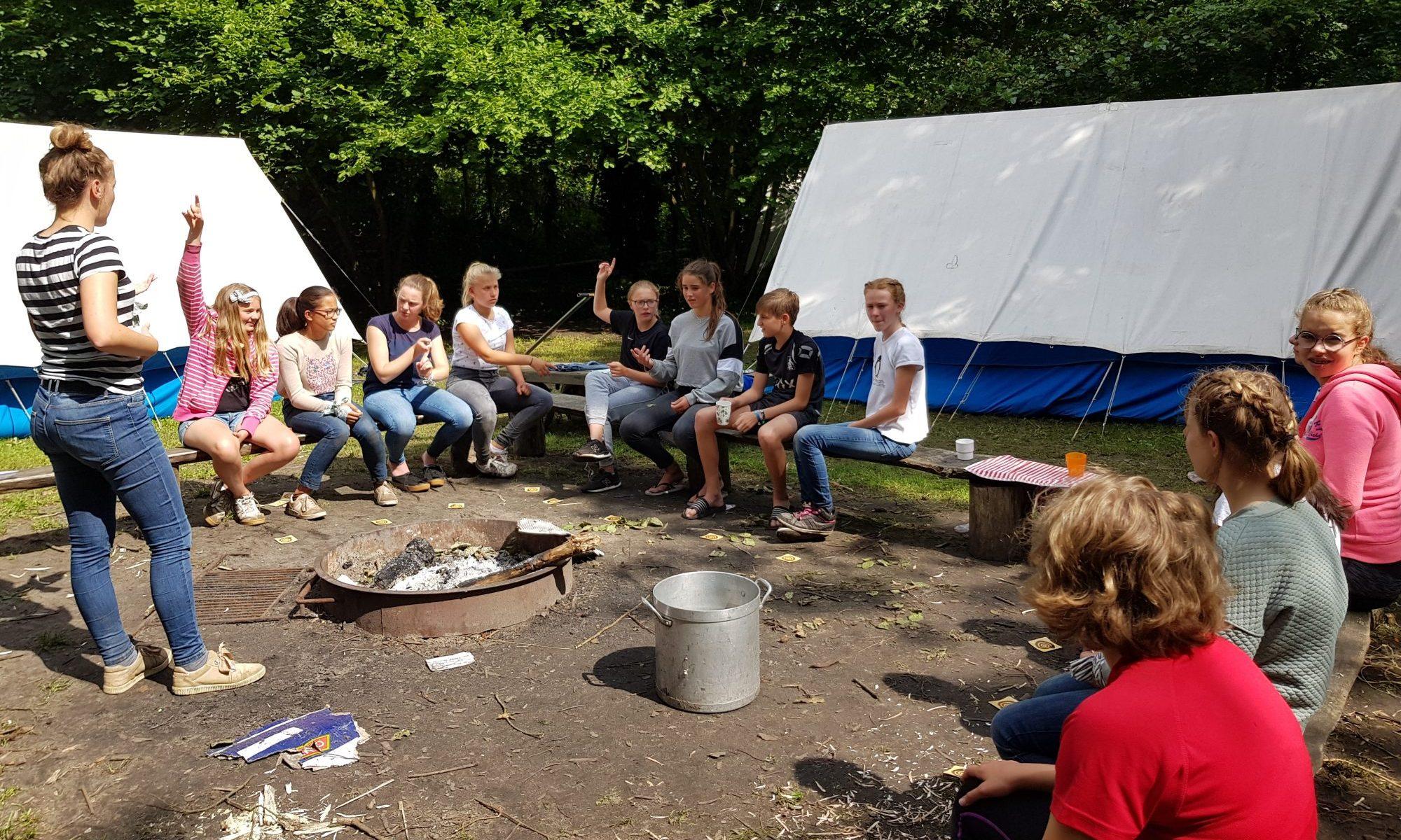 Jongerengroep in het Reuzengebergte Tsjechië
